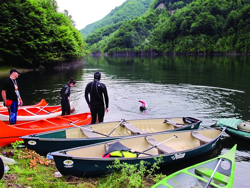 Canoeing în munți!