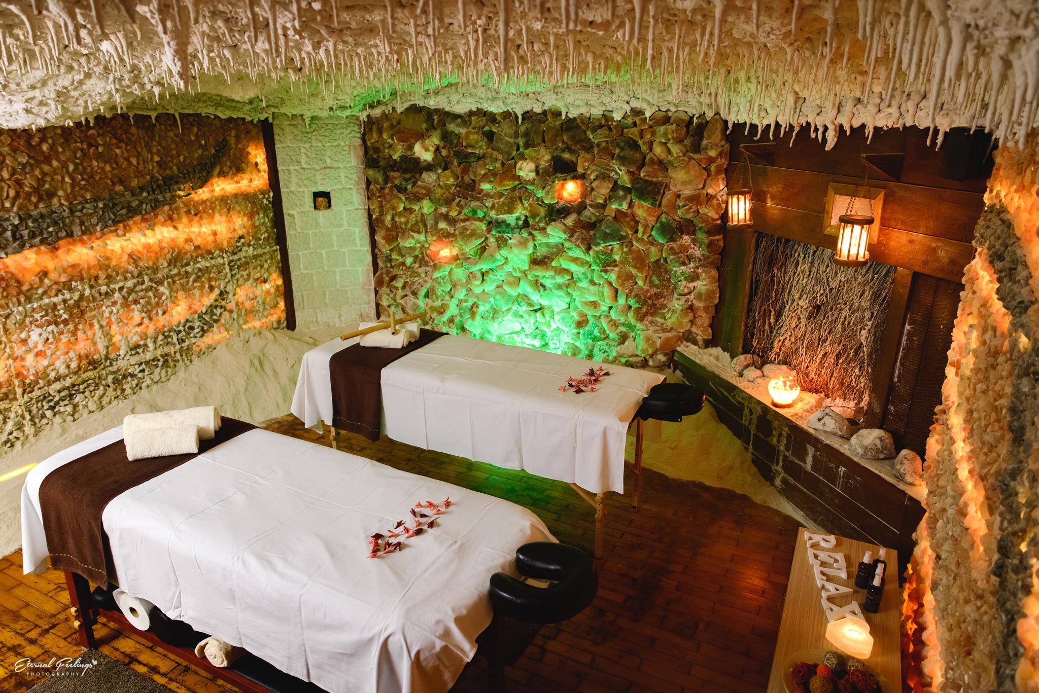 Răsfață-te cu un masaj în salina artificială din Brașov!